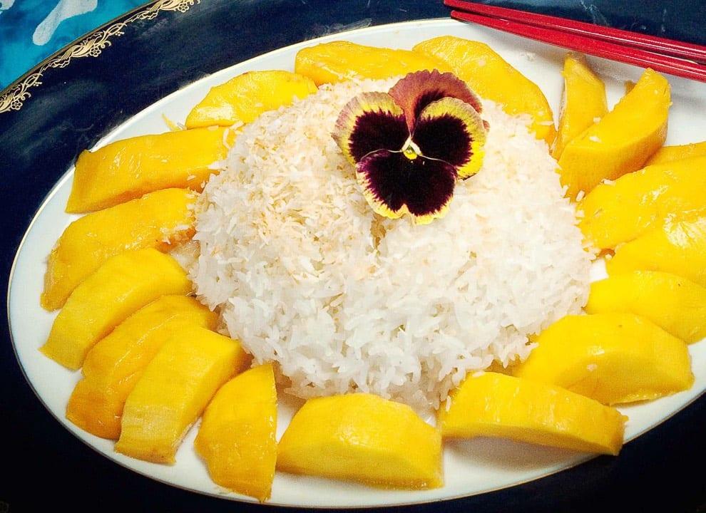 Kaki Rec Dess Sticky Rice Mango (2) Width 1080 Squashed